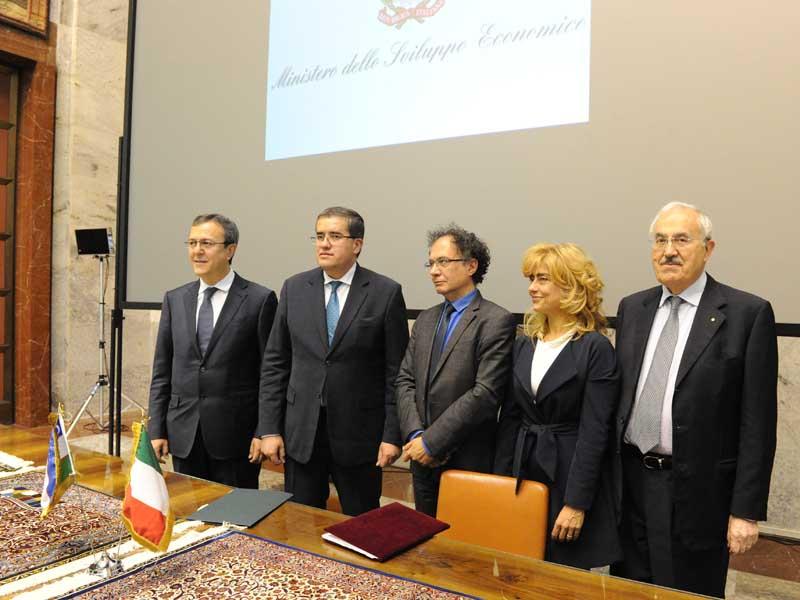 Firmato al MiSE il Protocollo per la cooperazione tra Italia e Uzbekistan