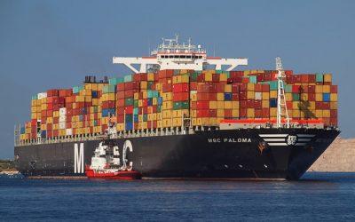 Navi giganti per trasportare container e turisti ma porti inadatti ad accoglierle