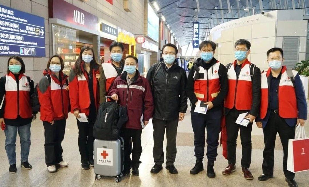 """Arrivano in Italia medici cinesi esperti nella lotta al Coronavirus: """"Vi aiuteremo a combatterlo"""""""